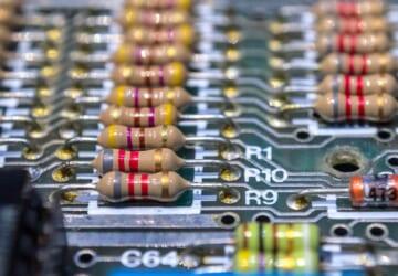 spectrum-3830059_1920